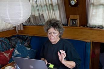Gwen sripting her next Net broadcast