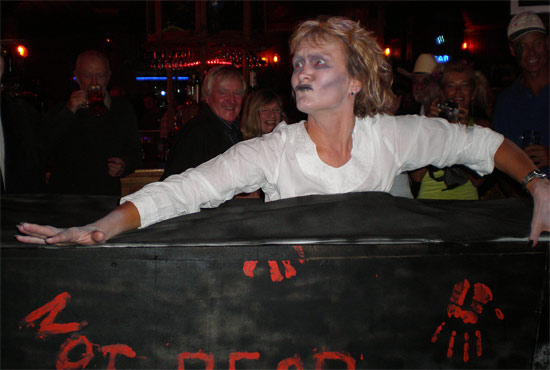 Liz forgets to put her make-up on again Source: A yottie, MYM
