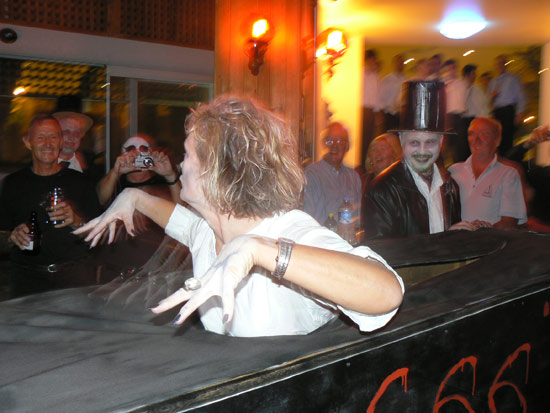 Liz attracting attention to herself. Nothing new there then. Source: A yottie, MYM