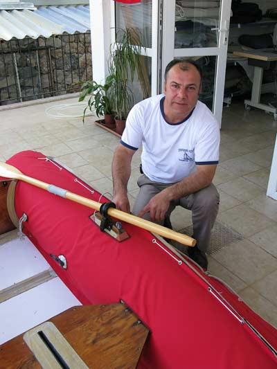 Metin, Captain Eddy's upholsterer