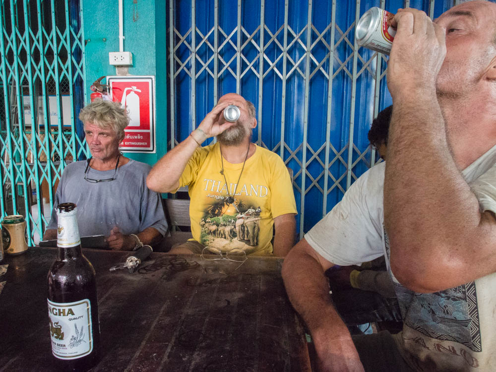 Jeremy, Mark and Steve sink a few after another tough day at the office in PSS Boatyard, Satun