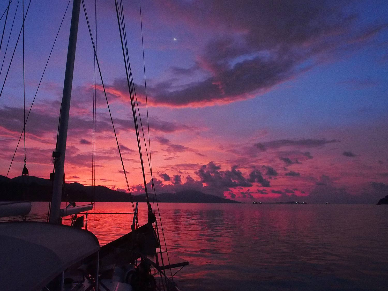 sunrise-butang-island-thailand
