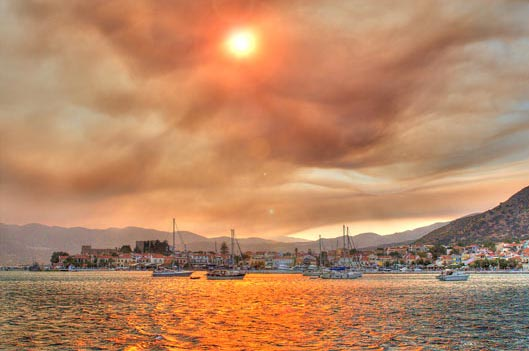 The anchorage of Pythagorio on the day forest fires ripped through neighbouring Turkey